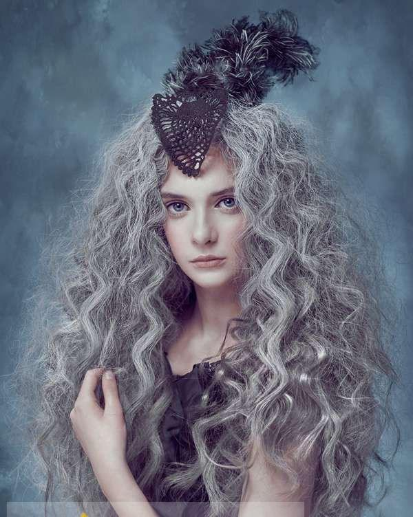 22 Inch Concise Long Gray Curly Chic Wig Hairstyle For Women