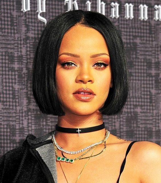 Celebrity Glueless Lace Front Wigs Indian Remy Hair Bob Wigs Yaki Straight 150% Density