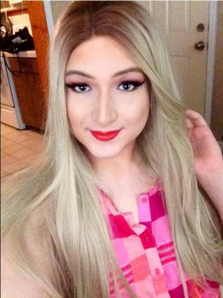 Handmade Straight Ombre Brown to Blonde Synthetic Lace Front Wig For White Women 03