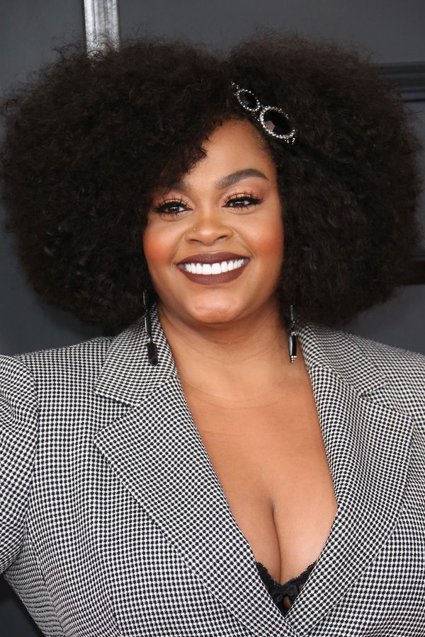 Jill Scott's Classic Afro Kinky Curls with Matte Lips