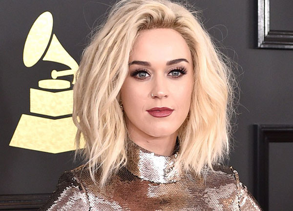 Katy Perry's ultra voluminous blonde lob hair