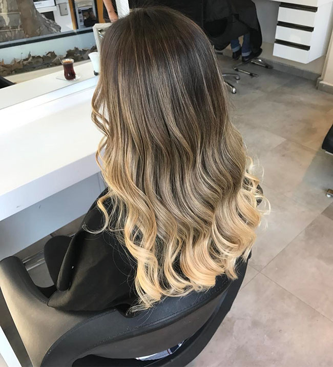 Dark root ombre hairstyle